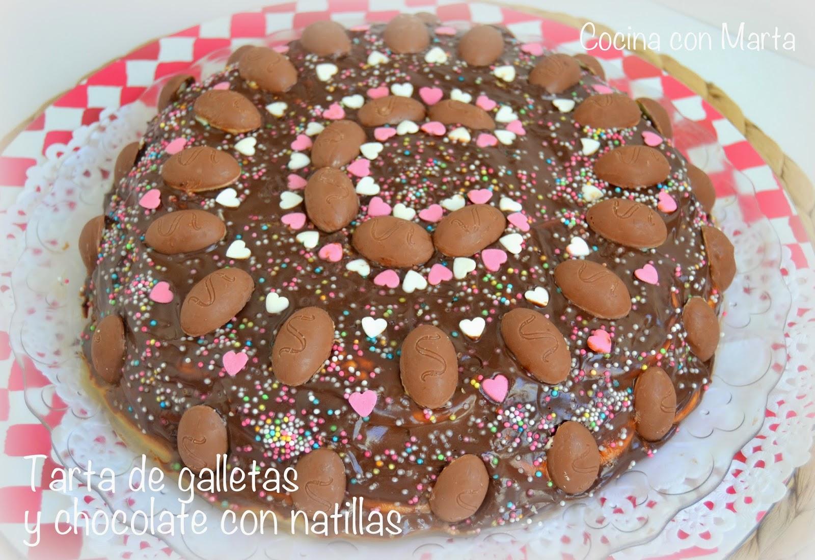 Tarta de galletas y chocolate con natillas. Casera, rápida, fácil. Recetas para niños y fiestas de cumpleaños.