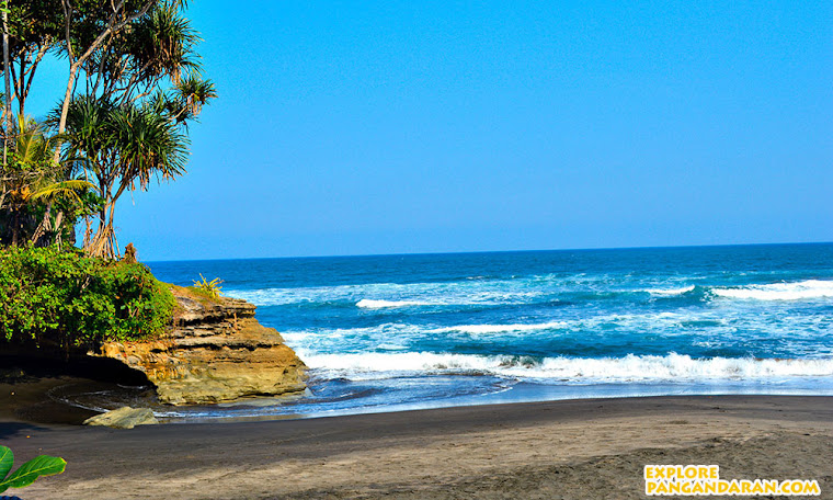 pesona laut pantai Batu Hiu