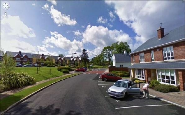 maps google street view flagra homem mostrando a bunda para a câmera