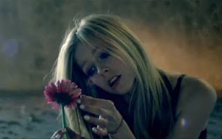 Video Clipe Wish You Were Here - Avril Lavigne