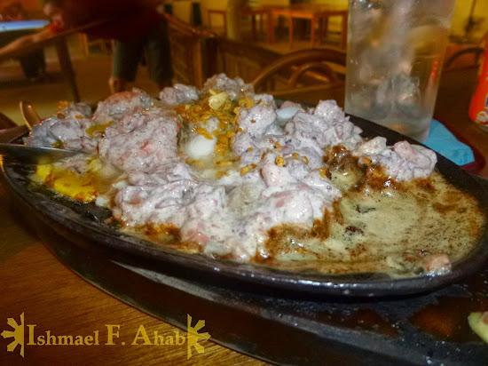 Puerto Princesa - Kinabuch's sizzling seafood sisig