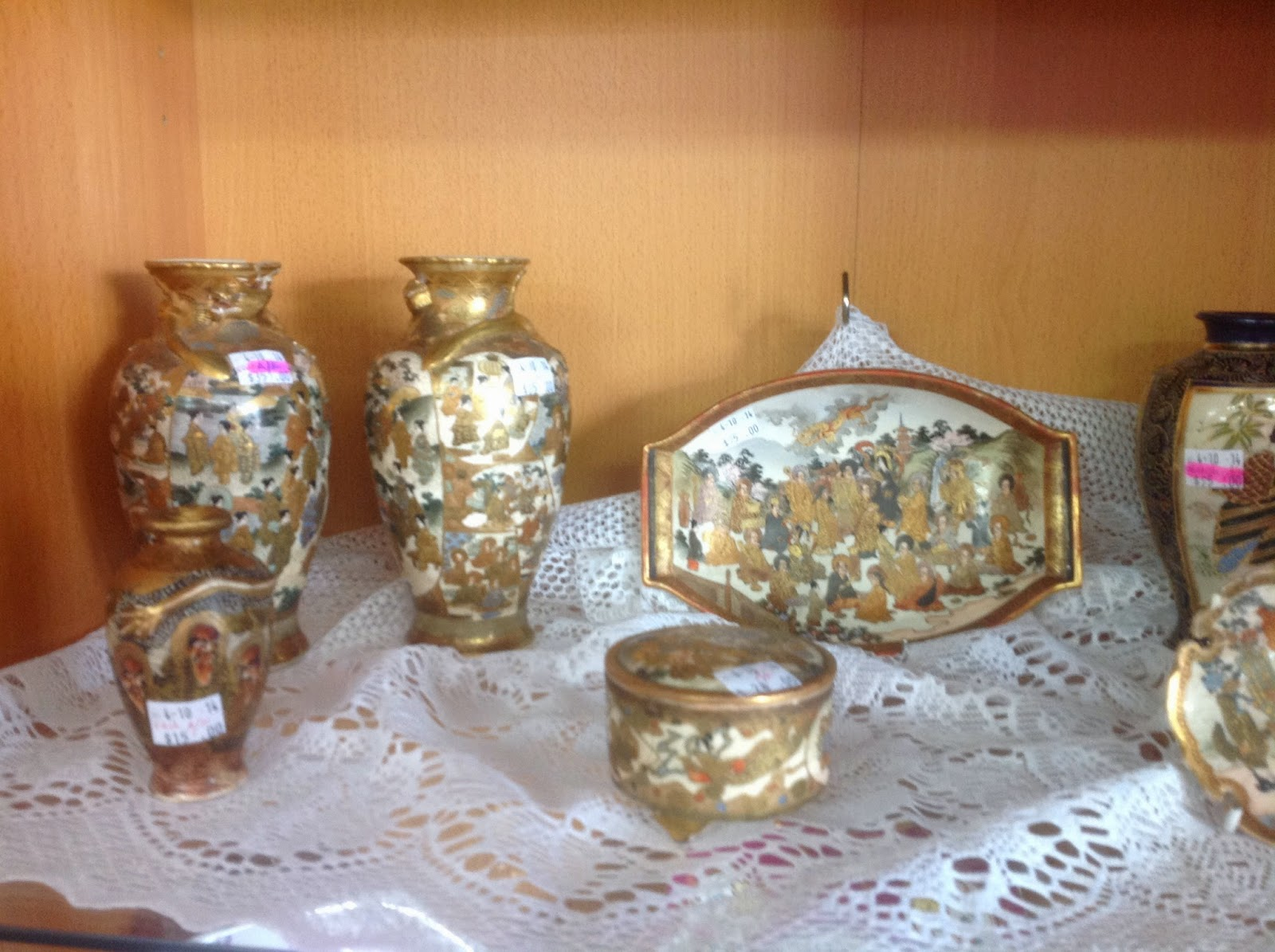 oriental pottery, vases, plates gold on white china