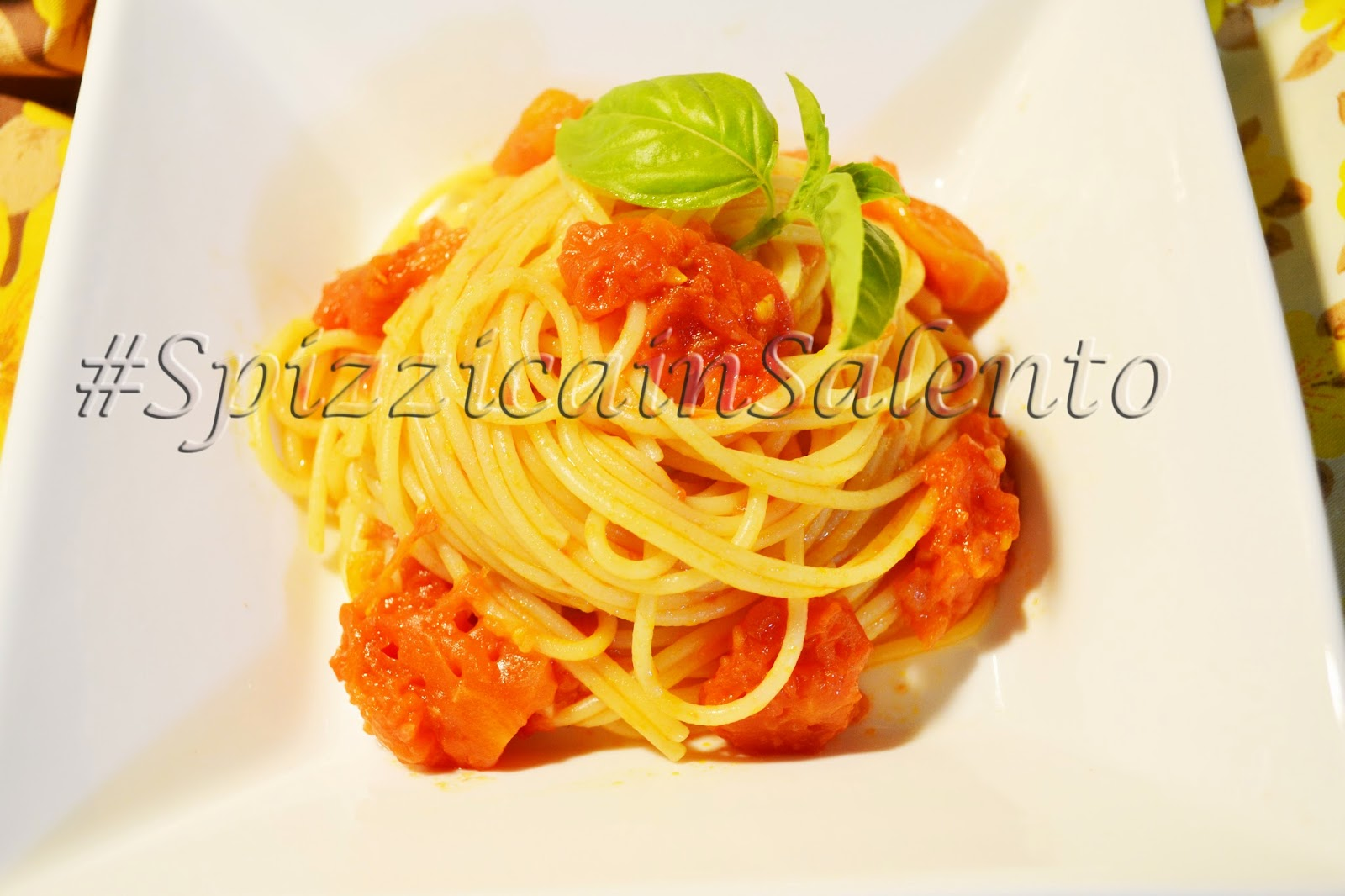 les spaghettis sauce tomate/basilic- la recette traditionnelle made in italy