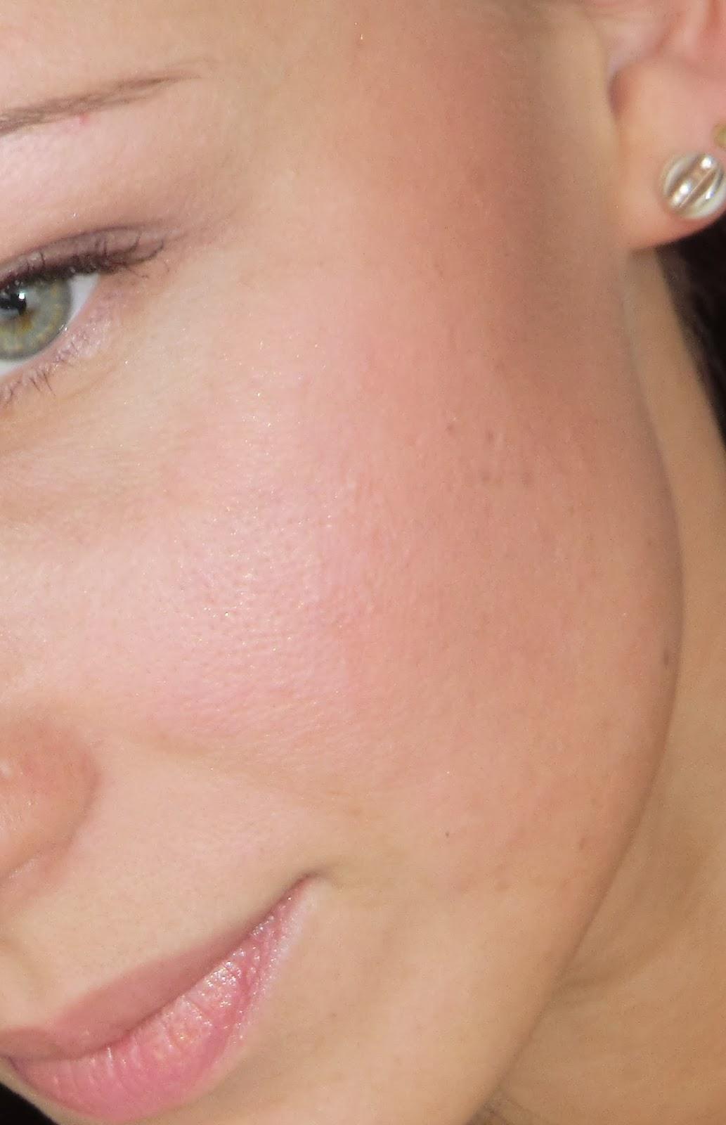 румяна на лице
