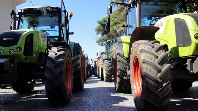 Σε αποκλεισμό επ' αόριστον των τελωνείων Κήπων και Ορμενίου προχωρούν οι αγρότες του Έβρου