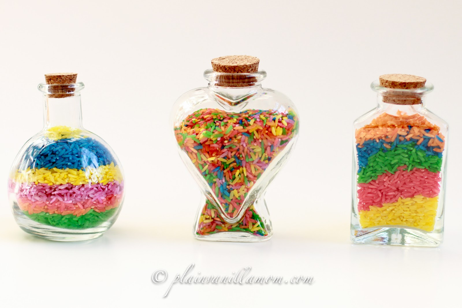 Colored rice bottle art plain vanilla mom for Bottle arts and crafts