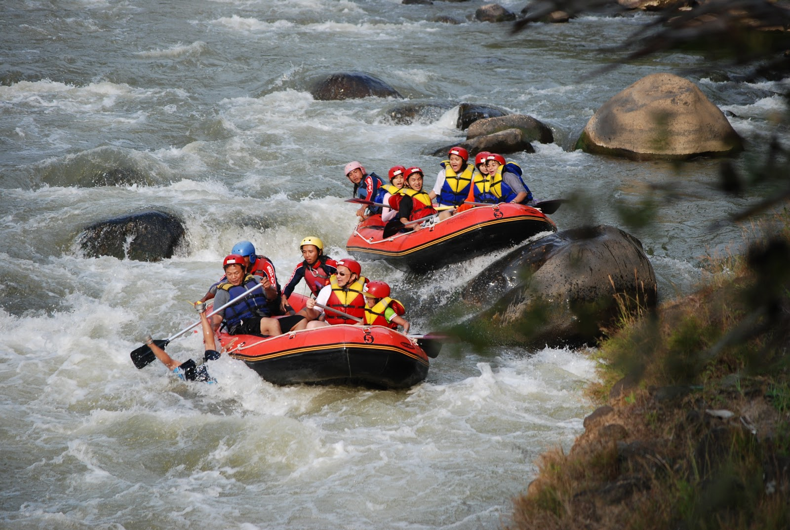 Biaya Rafting di Sungai Elo Magelang