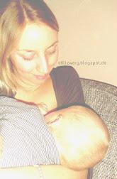Zum Stillen benötigt es Mama und Kind - sonst nichts (klick)