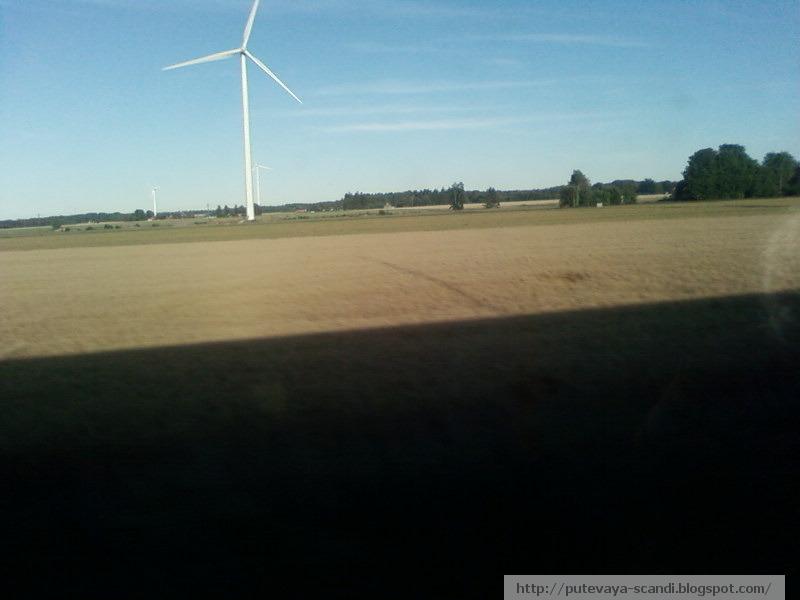 ветряк на шведском поле