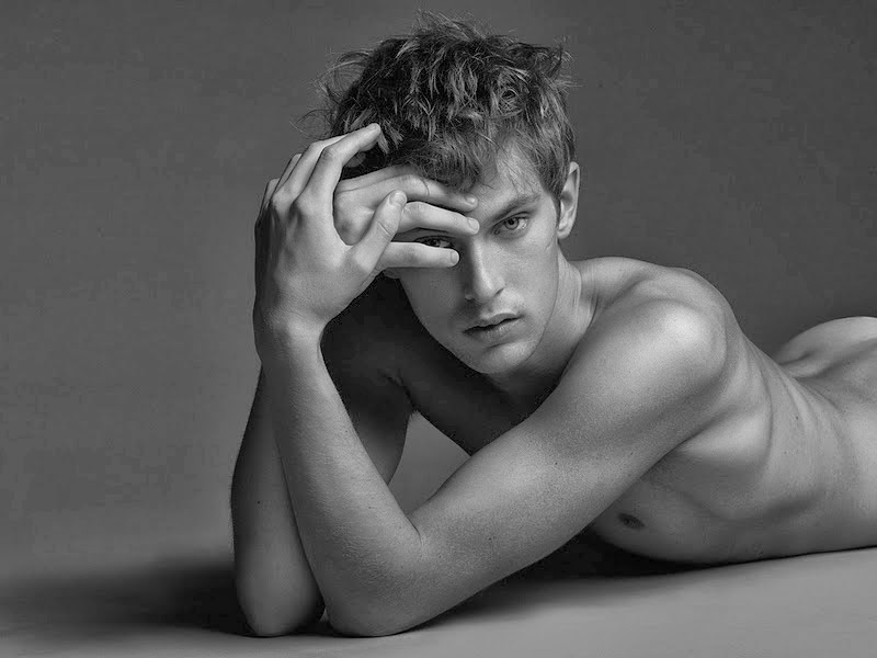 Mathias Lauridsen naked