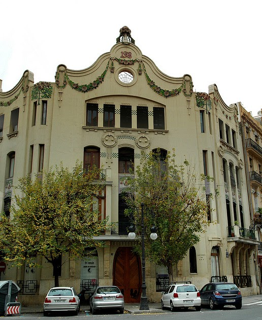 La restauracion de carpinterias modernistas en la casa - Carpinterias de madera en valencia ...