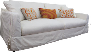 This three seater sofa comes with a fully removable, fully washable linen loose cover. It looks fantastic and is so handy specially for children and pets.