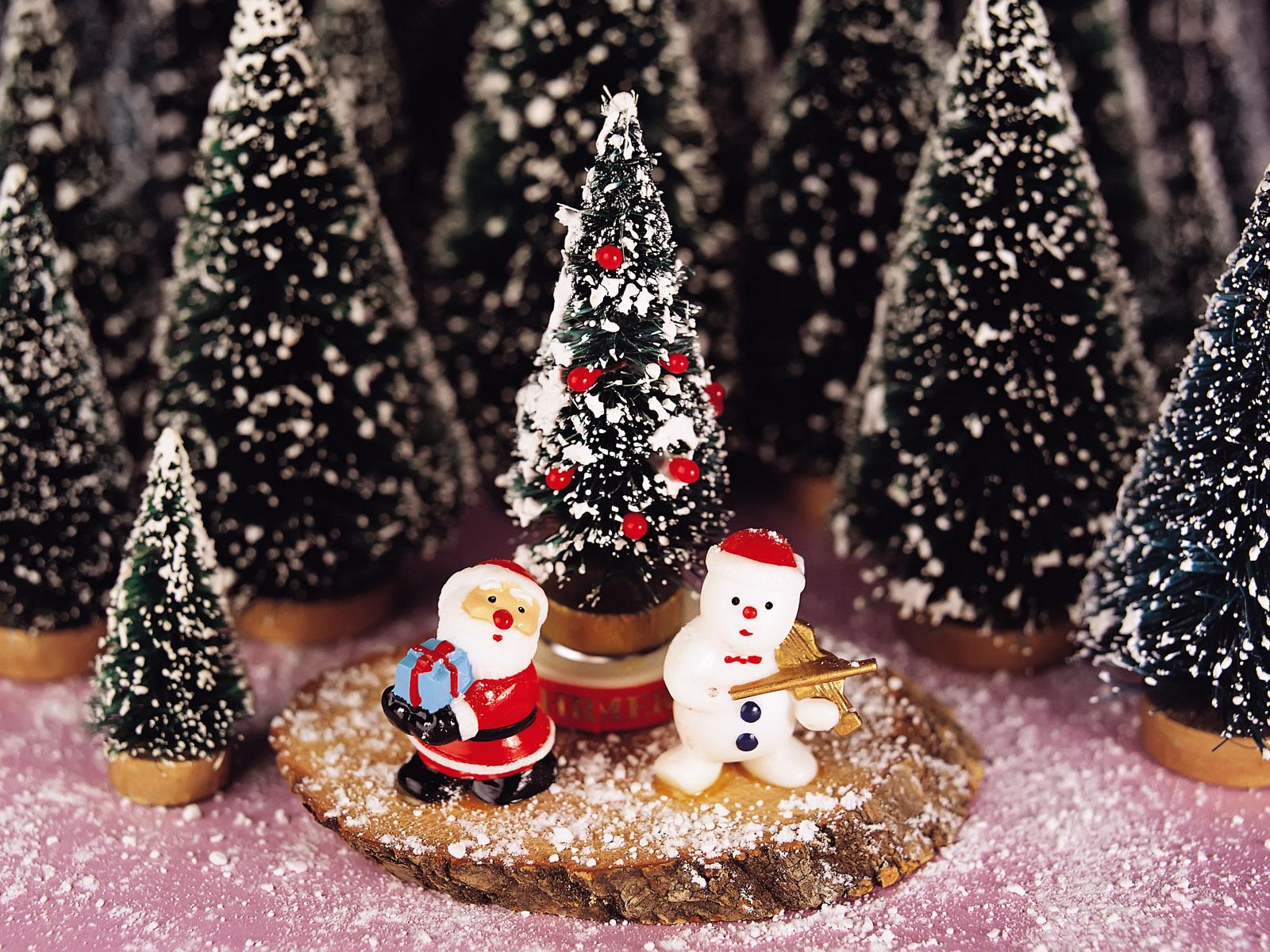 http://1.bp.blogspot.com/-M4O4K7XUEX8/TvXIPPM1VsI/AAAAAAAADWs/daUyf-Dk5U8/s1600/Christmas+Wallpapers+in+High+Definition+%25283%2529.jpg