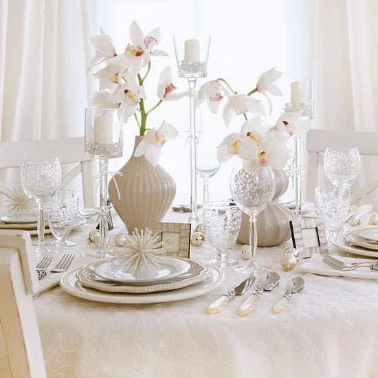 ... be any color or type that complements your china and table linens