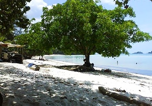 Pantai Melur Pulau Batam
