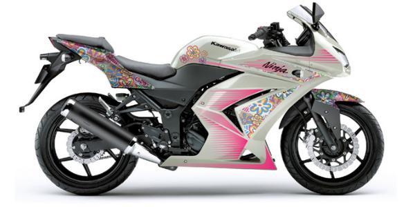 Moto-feminina-Kawasaki+Ninja+250R