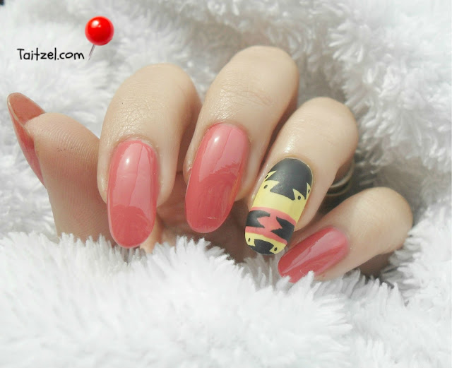 coral nail polish oja corai farmec Tribal nail art