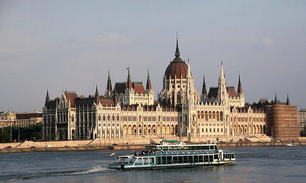 Blogs de turismo visitar el parlamento de budapest for Oficina turismo budapest