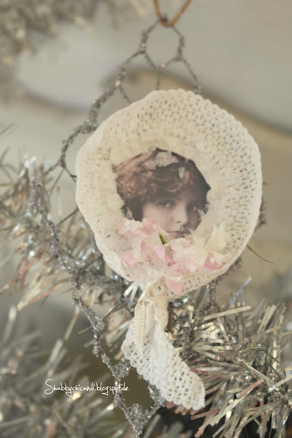 Shabby chic Ornament