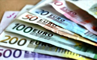 ΣΚΑΝΔΑΛΟ! Αυτοί είναι οι δημόσιοι υπάλληλοι που συνέχιζαν, παρά το μνημόνιο, να παίρνουν 7.000 ευρώ τον μήνα!