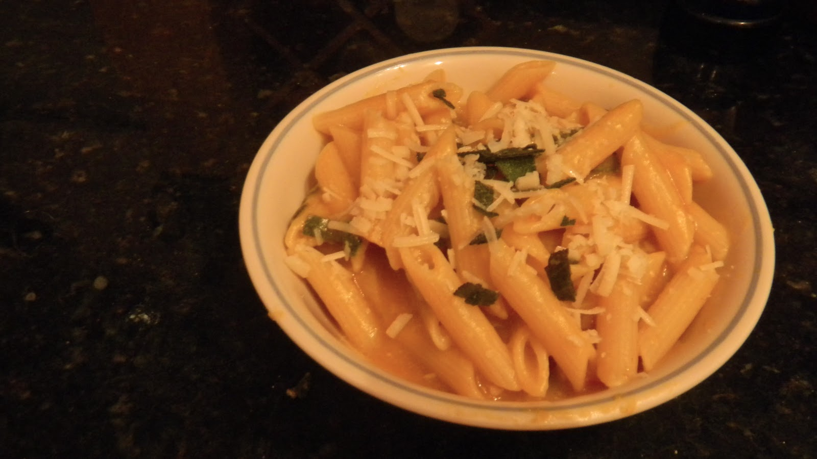 Sweet Pastiche: Recipe: Penne with Creamy Pumpkin Sauce and Fried Sage