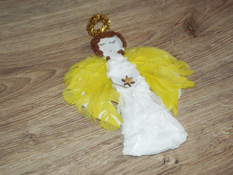 aniołek z tektury