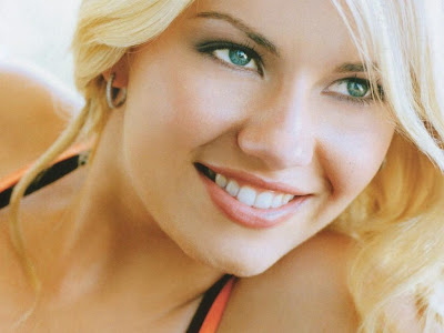 Elisha Cuthbert Wallpapers HD