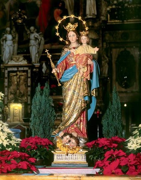 ! Reza todos los días el Santo Rosario y despúes me cuentas todo lo que recibes ¡