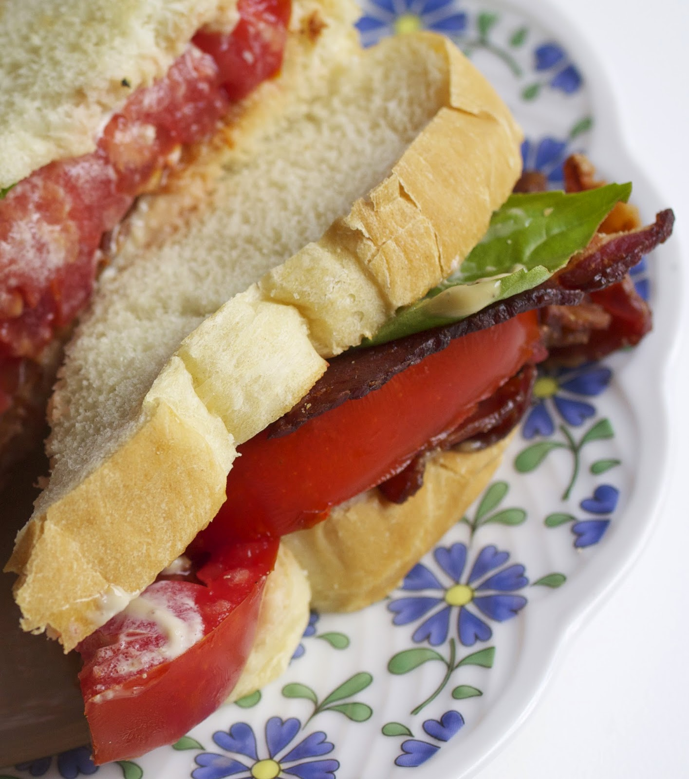 ... It with Beth: Bacon and Tomato Sandwiches with a Garlic Balsamic Mayo