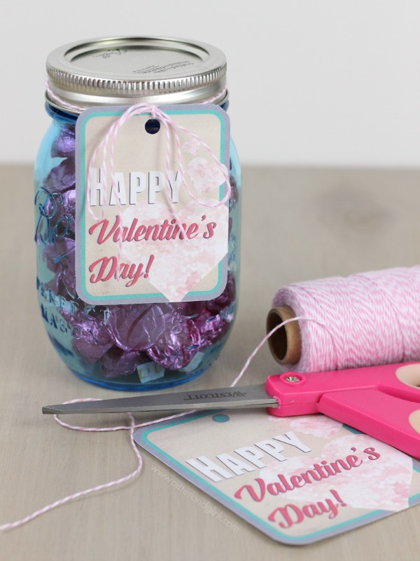 Happy Valentine's Day Free Printable Gift Tags www.pitterandglink.com