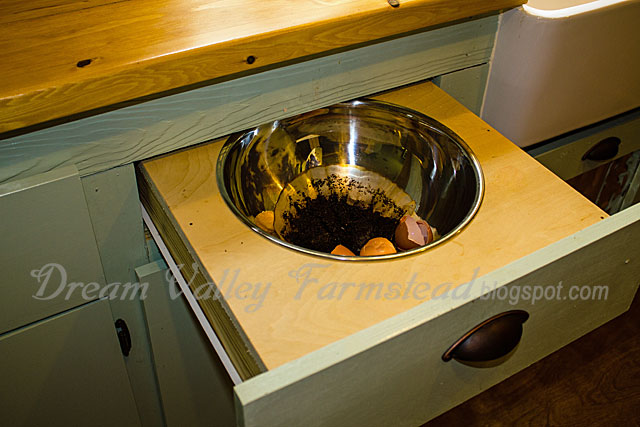 Charmant CountryBoy Came Up With This Awesome Scrap Bowl Drawer! It Works Great And  Is Tucked Away And Out Of Sight Until We Take The Contents To The Compost  Bin Or ...