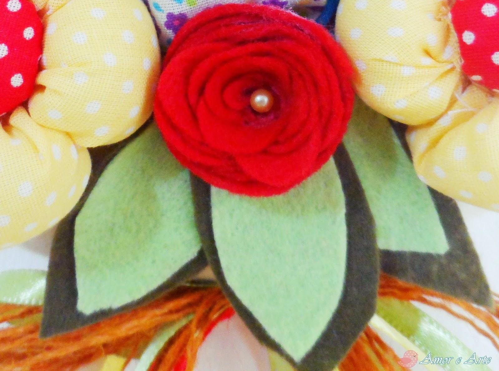 Guirlanda de porta para cozinha, galinha e flores em feltro e tecido