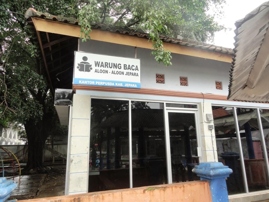 Warung Baca didekat Alun-alun kota Jepara