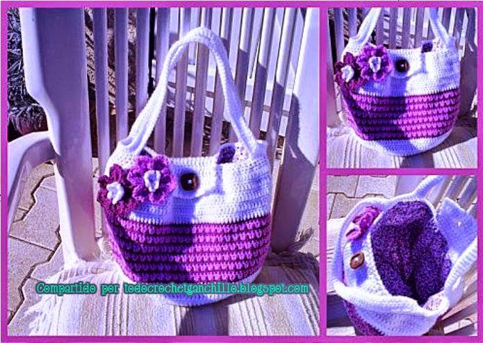 Bolso de playa violeta y blanco al crochet