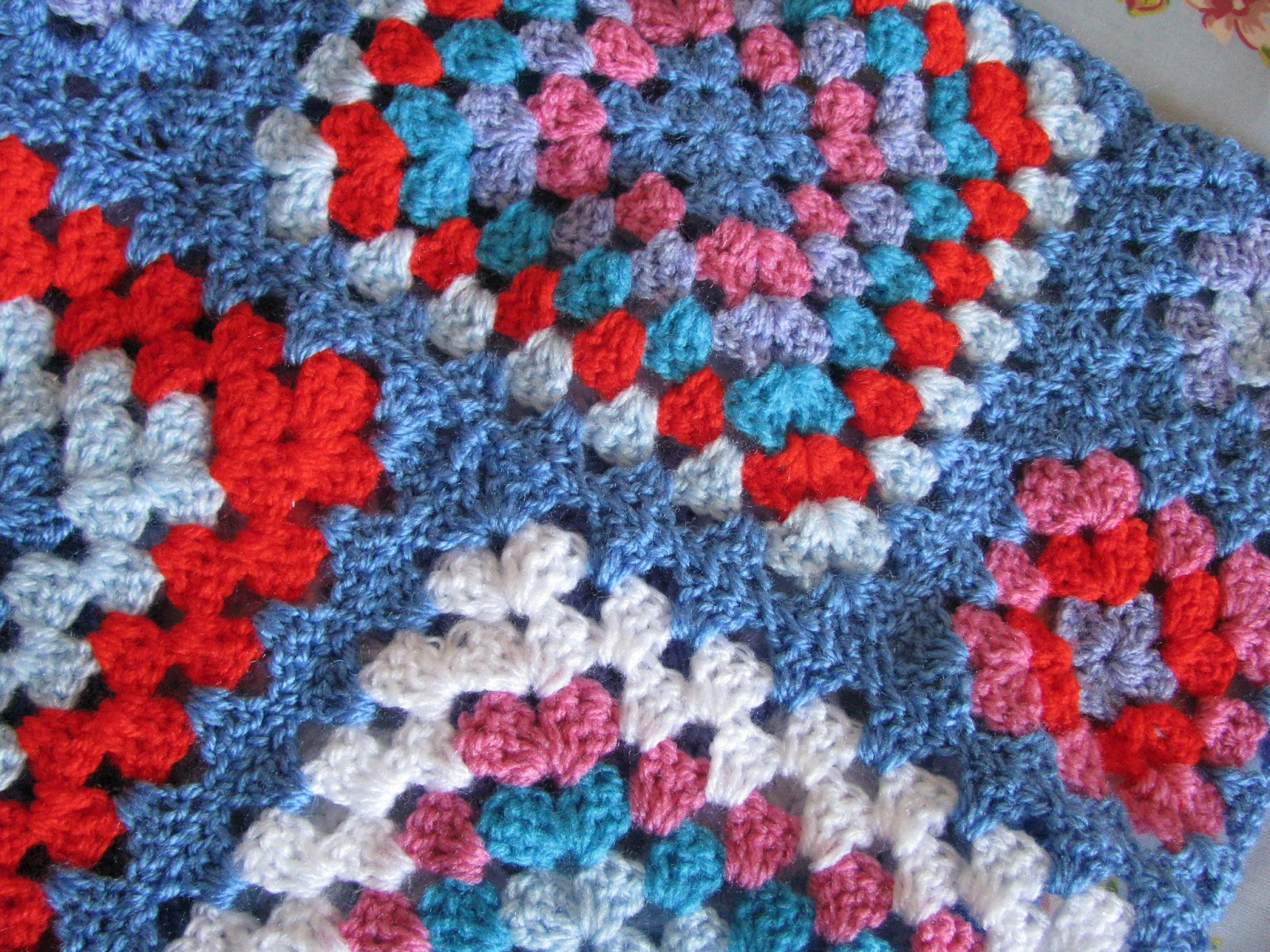 Crocheting Grandma : Shortbread & Ginger: Bright Crochet Granny Squares