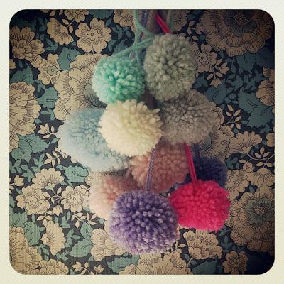 ByHaafner, crochet, pastel, neon pink, pompons, blue vintage wallpaper