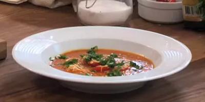 Tel Şehriyeli Domates Çorbası - Videolu Tarifi