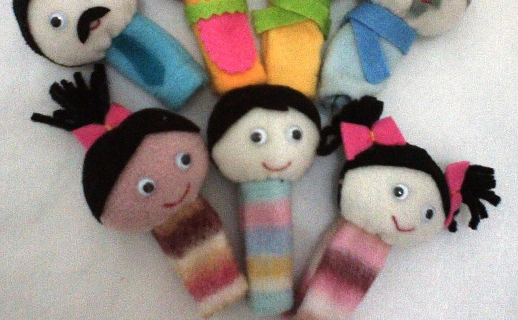 Buatan Tsabita Boneka: Boneka Jari Keluarga (3 Dimensi)