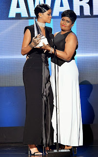 Icon Award, Rihanna, Rihanna's mom Schedule