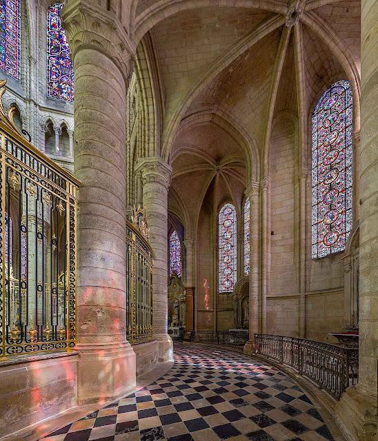Catedral de Soissons, França. foto David Iliff.