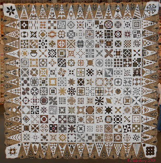 Dear Jane Quilt (Indonesian Fabrics) Annie Tromp Doornink