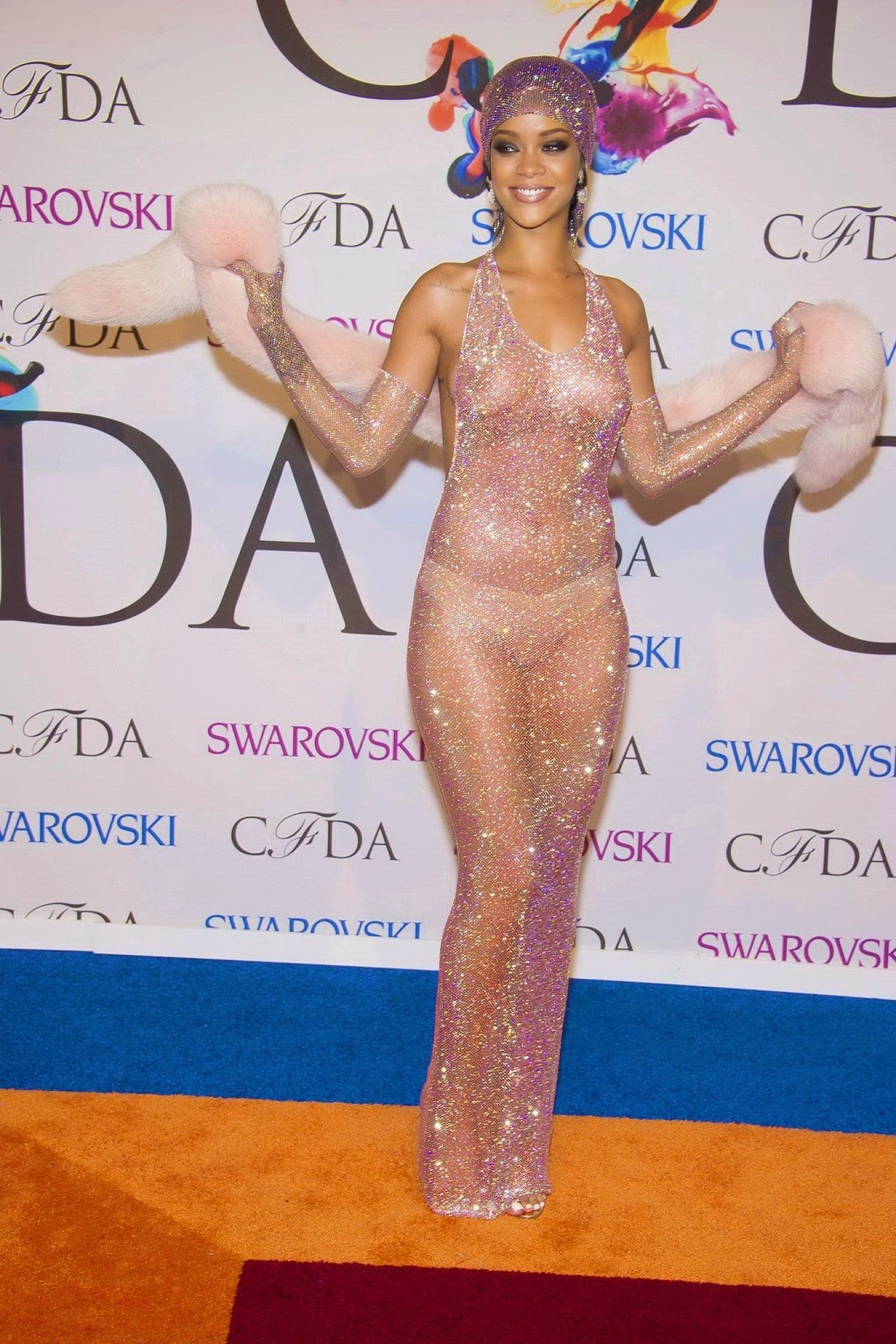 Rihanna shows off her bare boobs and ass in a seethru dress at 2014 CFDA Awards 7