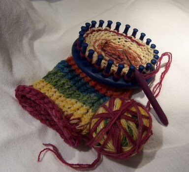 Off the Loom: The Knifty Knitter Craze