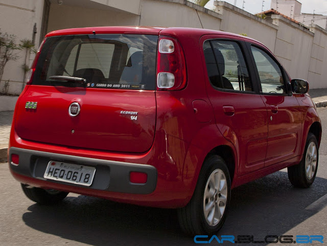 Fiat Uno 2013 - vermelho