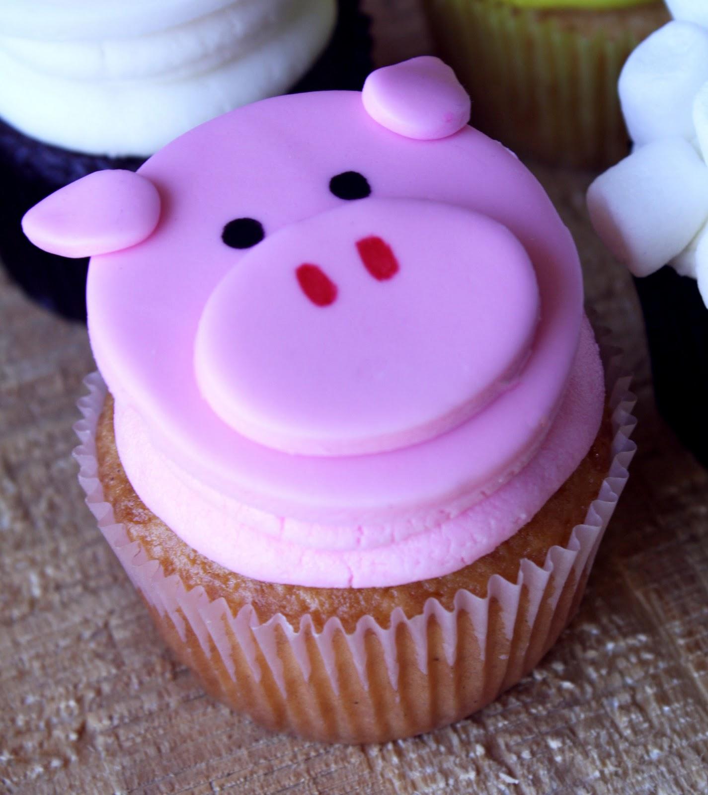 A Pig Smash Cake Barnyard Cupcakes