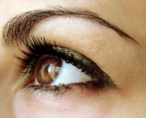 Tips Mempercantik Bulu Mata Dengan Maskara