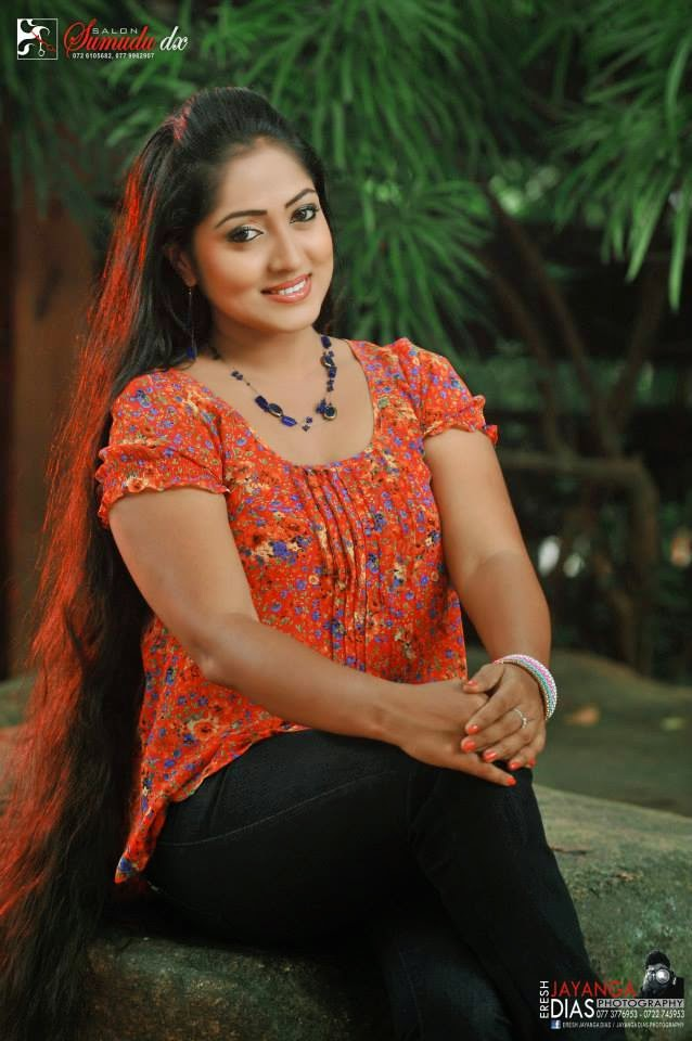 DILINI LAKMALI sl actress