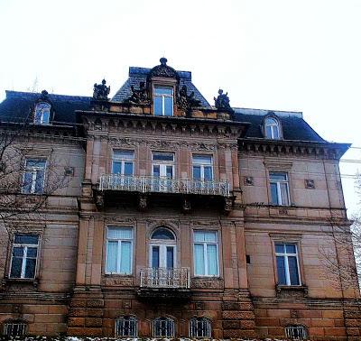 Villa Hartmann versinkt im Hochwasser