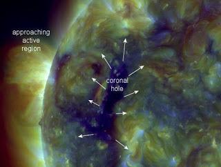 Μεγάλο κύμα ηλιακού άνεμου κατευθύνεται προς την γη....