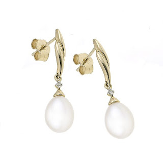vintage pearl drop earrings